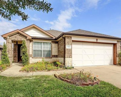 13011 Trail Manor Drive, Pearland, TX 77584