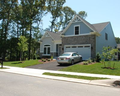 New 5BR Home , Close to Beach and Biking Trail - The Glade