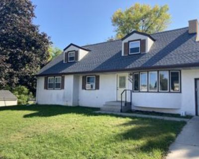 1303 9th Ave S #2, South Saint Paul, MN 55075 2 Bedroom Apartment