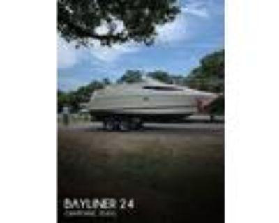 24 foot Bayliner 24