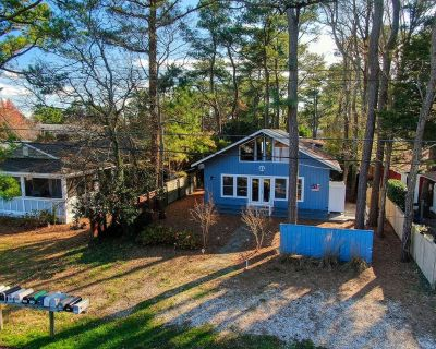 !!Wooded two story cottage steps away from everything Dewey Beach!! - Rehoboth by the Sea