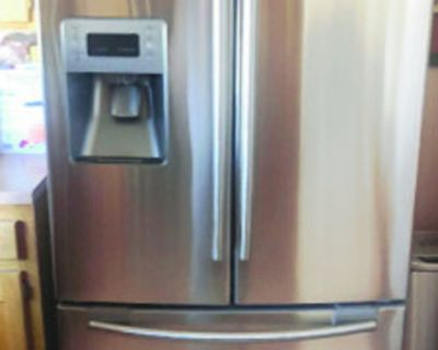 REFRIGERATOR, Samsung 26 cubic feet. Dual ice maker, stainless steel , excellent...