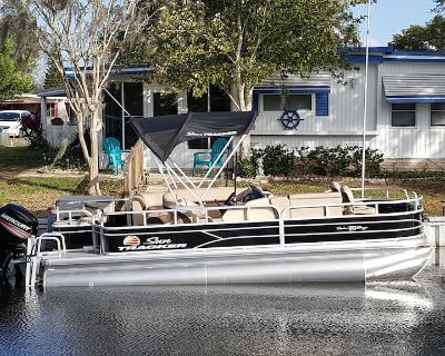 Waterfront Front Rental With Pontoon Boat, Dock and Golf Cart! - Leesburg