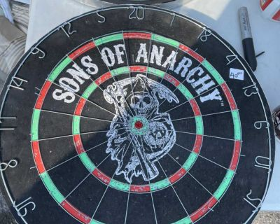 Sons of Anarchy dart board two sided game