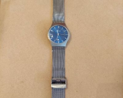 Vintage & Newer Men's Watch Collection & Collectors Pins