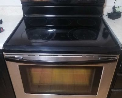 Four auto nettoyant Frigidaire / Self cleaning oven Frigidaire