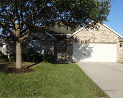 5114 Chase Park Gate Street, Bacliff, TX 77518