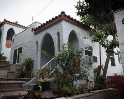 2587 Riverside Terrace