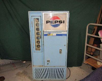 VINTAGE PEPSI MACHINE, COLECTIBLES RALEIGH ONLINE AUCTION