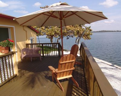 Water Front/Heated Pool/Dock/Walk To Beach/Self Check In-Out/High cleaning/WiFi. - Holmes Beach