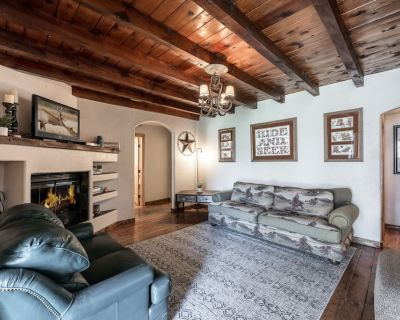 Round 'em Up!: Dog Friendly 3/2 Walking Distance to All The Action! - Ruidoso