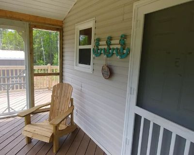 KITE POINT COTTAGE - WATER ACCESS - SCREEN ROOM - KITE BOARDING AND KAYAKING - Malpeque