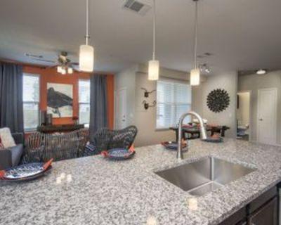 N Ambassador Dr, Kansas City, MO, MO 64154 3 Bedroom Apartment