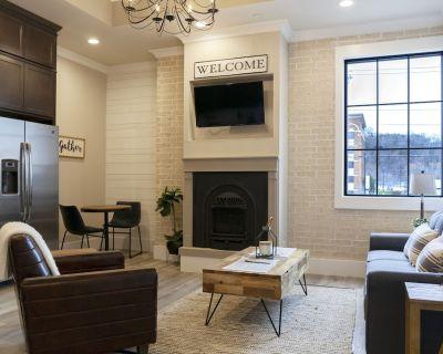 New Hotel Collection 2 Bedroom Condo Smoky Mountains - Sevierville