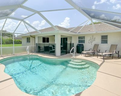 New to Market! Beautiful Pool Home, Huge Lanai, Grill, Best of Indoor/Outdoor Living in Paradise! - Cape Coral