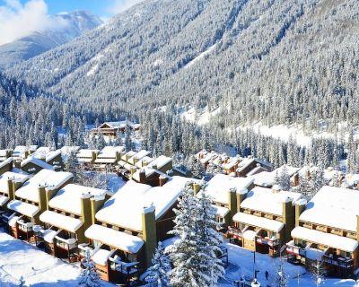 True Ski In/ski OUT Townhouse in Panorama - Panorama