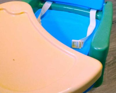 Attaches to chair booster seat. Sfh