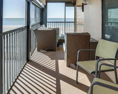 Villa Madeira 201 South corner/Beach Front with huge wrap around balcony! - Madeira Beach