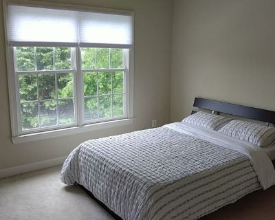 Private room with own bathroom - Clarksburg , MD 20871