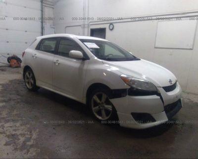 Salvage White 2009 Toyota Matrix