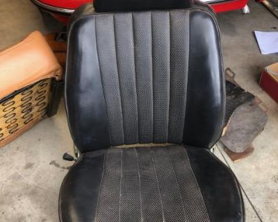 [WTB] WANTED!Porsche 911 '67 Seats,FloorMats,Door Panels
