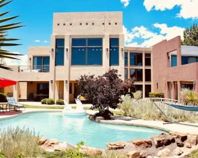 #1 Best Views! Huge, Luxury Contemporary Home + Heated Pool - Rio Rancho