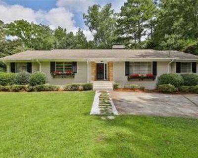 556 Walnut Dr Sw, Marietta, GA 30064 4 Bedroom Apartment