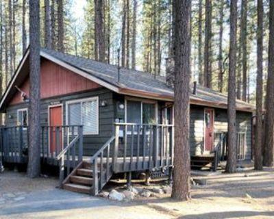 572 1/2 Jeffries St, Big Bear Lake, CA 92315 2 Bedroom House