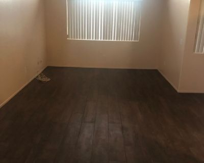 Master bedroom for rent vathedral city