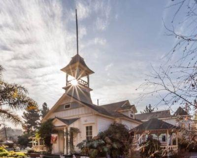 Beautiful Vintage Schoolhouse - San Luis Obispo County