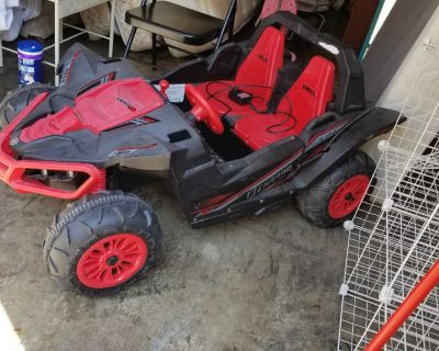 Race car dunes buggy power wheels with charger works