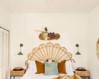 Cozy designer duplex - Cabbagetown