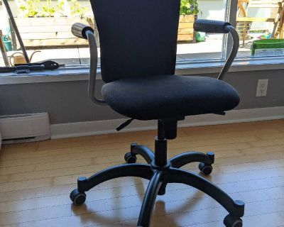 FREE Computer Chair - swivel and recline