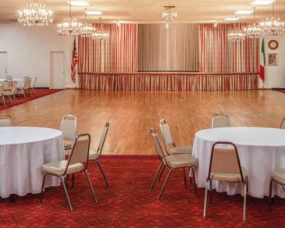 Unique Ballroom and Bar With Vintage Charm, Los Angeles, CA