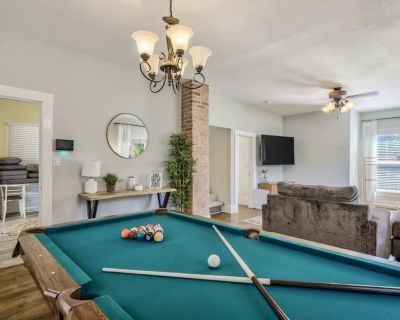 3BR|Central Location Pool Table & Nearby Parks - Central Colorado Springs