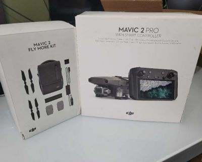 DJI MAVIC 2 PRO with Smart Controller, fly more kit and 128gb as card