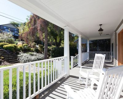 Lincoln House - New American Foursquare Craftsman-quality home, spacious and light - Hood River