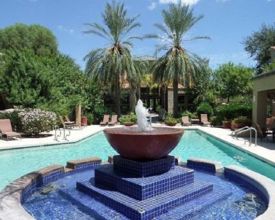 Relax At This Beautiful Northern Scottsdale Condo - Central Scottsdale