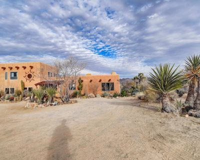 New Listing! The Sunrise Suite - Stunning space w/ Beautiful Views! - Joshua Tree Highlands