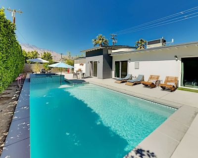 Mid-Century Modern Retreat in DeMuth Park   Heated Pool, Spa & Gas Grill - Palm Springs