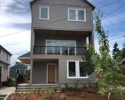 2010 N Farragut St #B, Portland, OR 97217 1 Bedroom Apartment