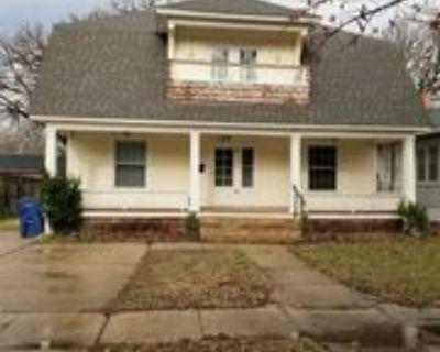 143 S Green St #1, Wichita, KS 67211 3 Bedroom Apartment