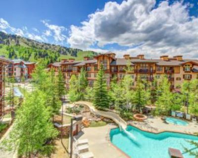 Cozy ski-in/out condo w/ Club Solitude access - shared hot tub, pool & more! - Salt Lake Mountain Resorts