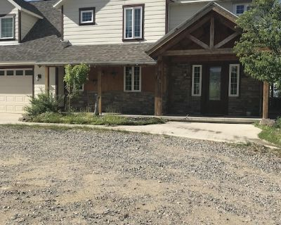 Cozy oasis nestled in mature aspen overlooking the city of Butte, Montana - Butte