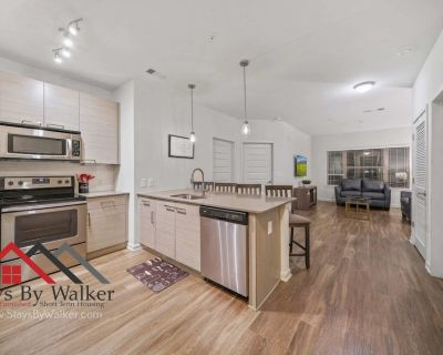 Prime Location! 2BR King Beds Gym + Pool + Cable (1,096 SqFt) StaysByWal - Inman Park
