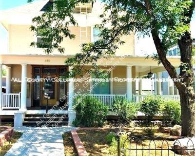 Room for rent downtown in Victorian house near Colorado College CC