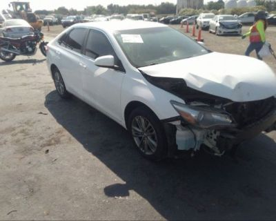 Salvage White 2017 Toyota Camry