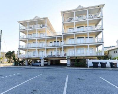 Beautiful 5 Bedroom 4-1/2 Bath Condo - Steps to the Beach - New Listing!! - Midtown Ocean City