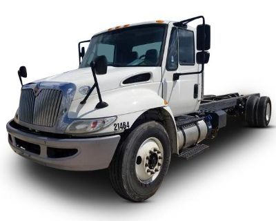 2017 INTERNATIONAL 4300 Cab and Chassis Trucks Truck