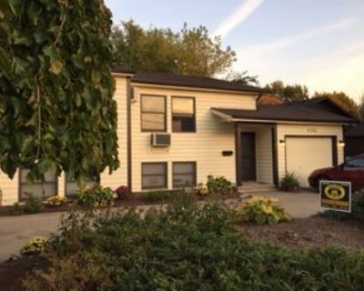 4106 Rochester Rd, Royal Oak, MI 48073 3 Bedroom Condo
